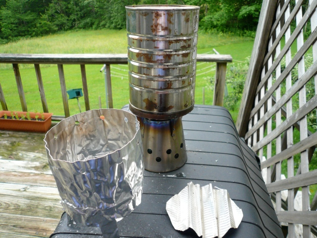 Improvised wind shield, cooker set-up and ditched aluminum diffuser part